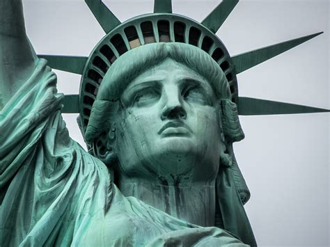 Travelling Tale - Visiting the Statue of Liberty in New York