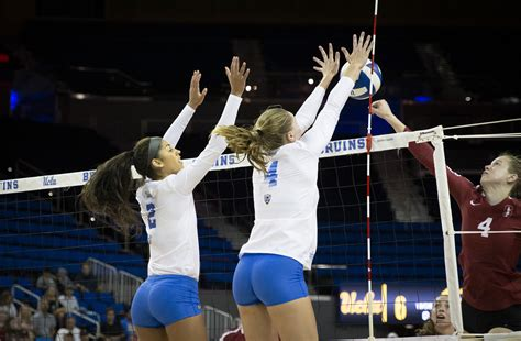 Women's volleyball defeats Oregon State, falls to Oregon