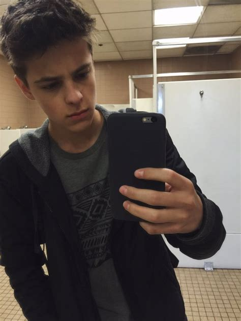 Picture of Corey Fogelmanis in General Pictures - corey