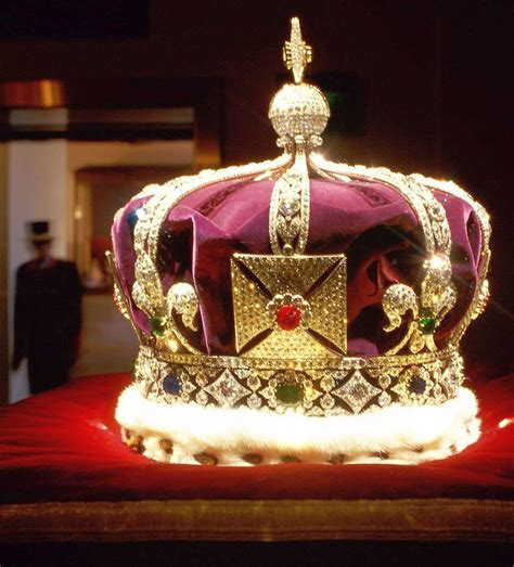 THE TOWER OF LONDON & THE CROWN JEWELS - HEART OF ENGLAND